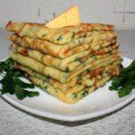 Cырные блинчики с петрушкой