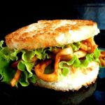 Рисовый бургер с кальмарами терияки