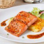 Запеченный лосось в медово-горчичном соусе